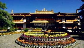 Travel to Tibet in July