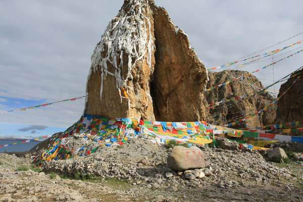 Featured Stones at Namtso Lake