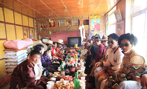 tibet customs, tibet etiquettes, Do's & Don'ts, tibet taboos