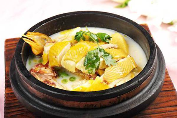 Stone Pot-Cooked Chicken, Traditional Tibetan Cuisine