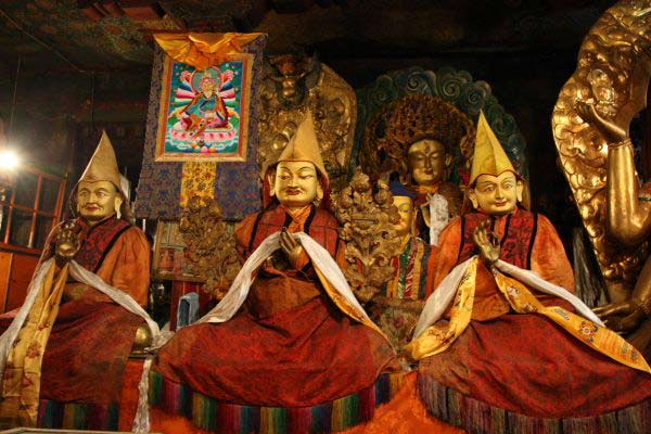 Tsongkhapa flanked by his first two disciples