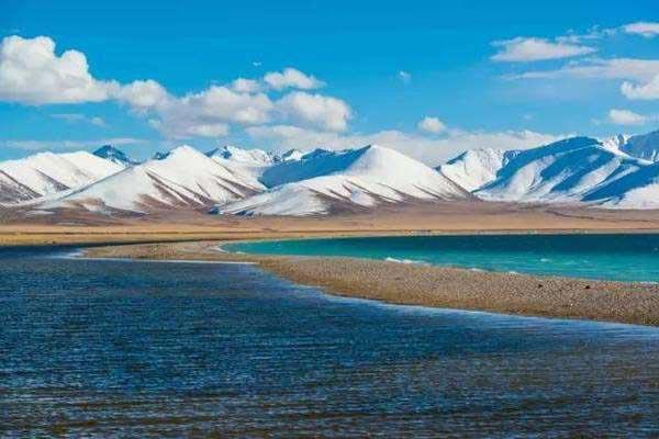 Hasil gambar untuk lake Namtso 600 x 400